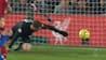 'Der er olie på handskerne': Adrián er lige ved at smide Liverpool-sejr væk i 88. minut
