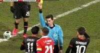 Anklage om racisme i Bundesliga-opgør – Leverkusen-spiller måtte holdes tilbage