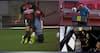 Monaco-spiller får gult efter hård tackling - VAR-review ændrer det til rødt