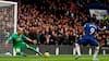 Smukt mål: Kølige Abraham sender Chelsea på 1-0 efter smuk assist