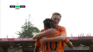 Bournemouth-forsvaret totalt passivt - Longstaff bringer Newcastle på 2-0