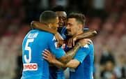 Tre hurtige mål vendte tingene - Napoli hænger stadig på i toppen