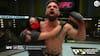 Rystende video: UFC-fighter slår ældre mand ned og råber racistiske skældsord - fans raser