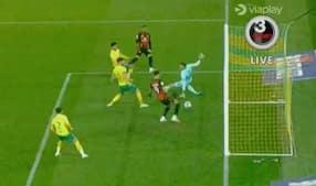 Dominic Solanke stjæler mål fra holdkammerat - og står i offside