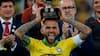 Ny storklub til legenden: 36-årige Dani Alves skriver under på 3½ år lang kontrakt