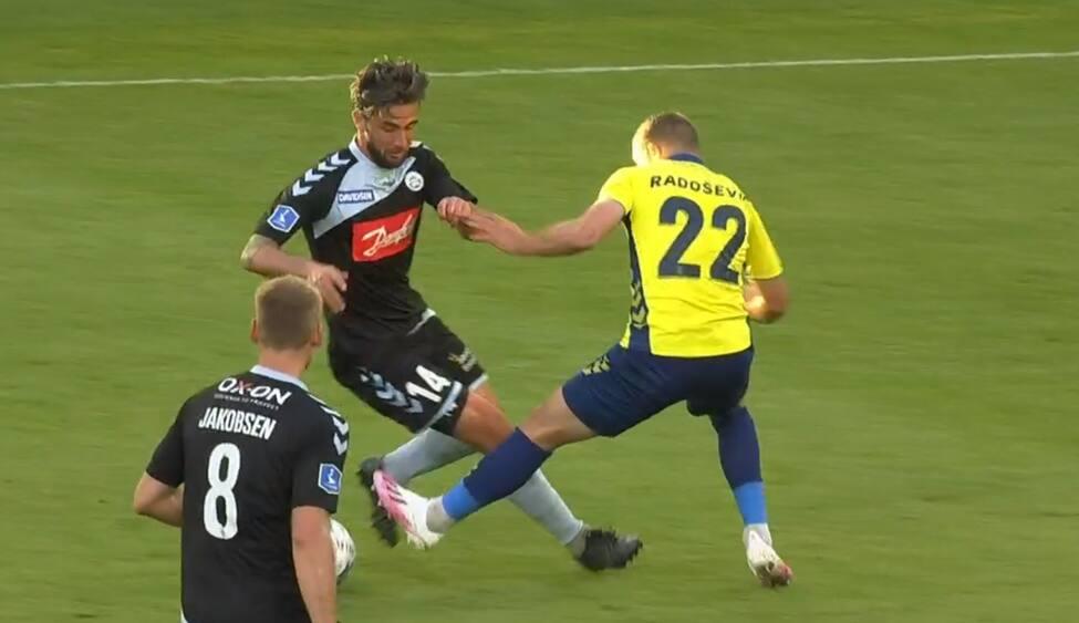 Lindstrøm hamrer Brøndby på 1-0 - men skulle SønderjyskE have haft et frispark først?
