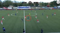VANVIDSMÅL: Eks-FCK'er smækker bolden i nettet fra egen banehalvdel - se det vilde 2-1-mål her