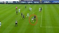 'Lækkerier!': Sønderjyske-spiller laver den sprødeste detalje - fører næsten til et mål