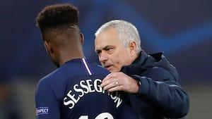Mourinho har meldt sig som frivillig for at hjælpe ældre mennesker