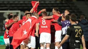 Vidunderlige tv-billeder: Lille står for presset og sikrer sig Ligue 1-titlen for næsen af PSG
