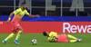 Skuespil eller ej: Cancelo kaster sig i jorden, men bliver han overhovedet ramt?