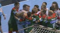 Danskere involveret i stor dramatik: Bundesligakamp ender med tumult og håndgemæng