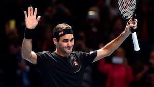 Roger Federer rejser sig med sejr i sæsonfinalen - se sidste parti her