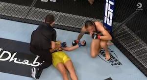 Hollandsk UFC-stjerne kvæler modstander - men må selv give besked til kamplederen