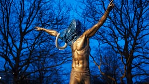 Zlatan-statue bliver fjernet: 'Han har brændt alle broer'