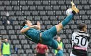 Zlatan forklarer sin succes: knæbøjninger, sund kost og privat chauffør