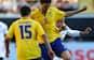 Svensk fodboldspiller falder om og mister livet