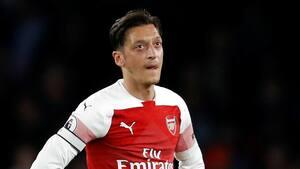 Tysk landsholdsstjerne tager bladet fra munden: Vi svigtede Mesut Özil