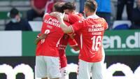 Vejle vinder målorgie og sikrer sig en ny sæson i Superligaen