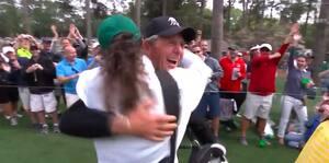 Golf er et smukt spil: 80-årig legende laver hole-in-one ved Masters