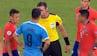 Typisk Suarez! Chilener tackler baneløber - appellerer han så for gult kort?