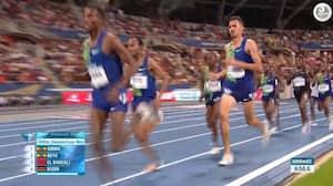 Blood on the tracks: Marokkaner bliver trådt over tæerne - vinder 3000m-løb trods store smerter