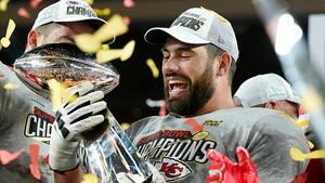 Super Bowl-champ med doktorgrad hjælper til under coronakrisen