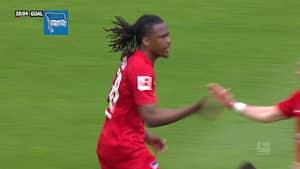 Hertha tager vigtigt skridt i kampen for overlevelse - se målene fra sejren over Schalke
