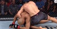Norsk-svensk UFC-fighter i imponerende lyn-sejr: Skulle kun bruge 49 sekunder