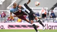 West Ham kravler endnu et point længere væk fra nedrykning med 2-2 i Newcastle