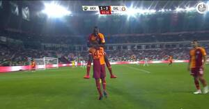 Kæmpe drama, rødt kort og flot slutspurt sikrer Galatasaray pokaltitlen - se målene her