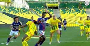Tidligere Liverpool-boss raser mod dommer efter oprykning til Ligue 1 glippede - har han en sag?