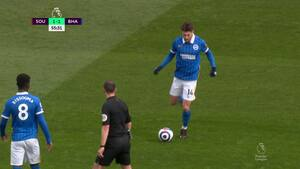 Trossard sender Brighton på 2-1 mod Saints
