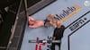 Struves mærkværdige UFC-nederlag: Blev sparket to gange i de ædlere dele
