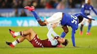 Bøde på vej - Aston Villa straffer anfører for at gå udenfor