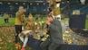 Badet i bobler: Boldsen og Greko overfaldet med champagne midt i live-interview