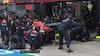Nej, nej, nej! Katastrofalt Red Bull-pitstop koster dyrt