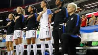 USA's Fodboldforbund afskaffer knæleforbud under nationalmelodi