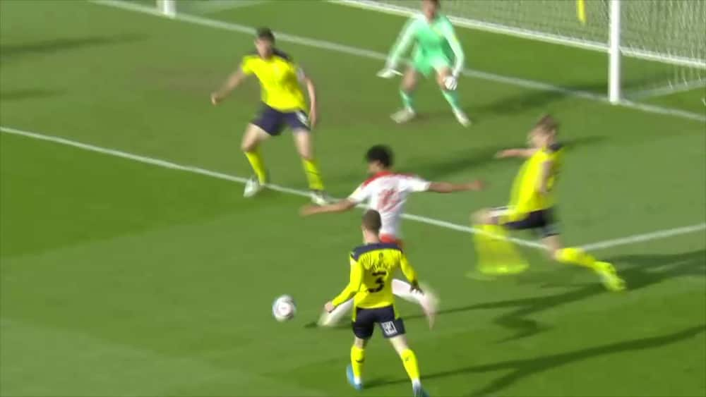 Blackpool sparker sig nærmere oprykning - se højdepunkter fra semifinalebraget her