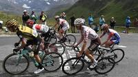 Frygt for dårligt vejr forkorter Tour-etape lørdag