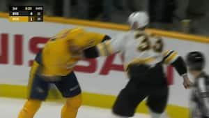 Benhård fight: 22-årig russer er lige ved at ydmyge 42-årig NHL-veteran