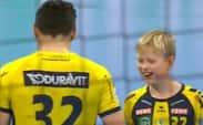 Petersson bliver skadet i Reihn-Neckar-sejr i Bundesligaen - se sønnens reaktion på den forslåede finger