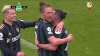 Leeds' Harrison dukker Burnley: Se 2-0-scoringen her