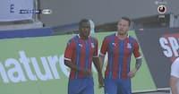 Efter forfærdelig PL-sæson: Benteke scorer på første boldberøring