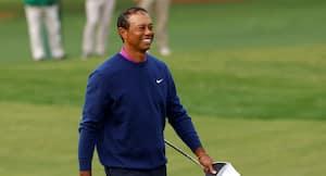 Rørt Tiger Woods takker golfspillere for rød-sort hyldest