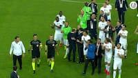 Vilde scener i Tyrkiet: Hele holdet håner dommeren efter nederlag