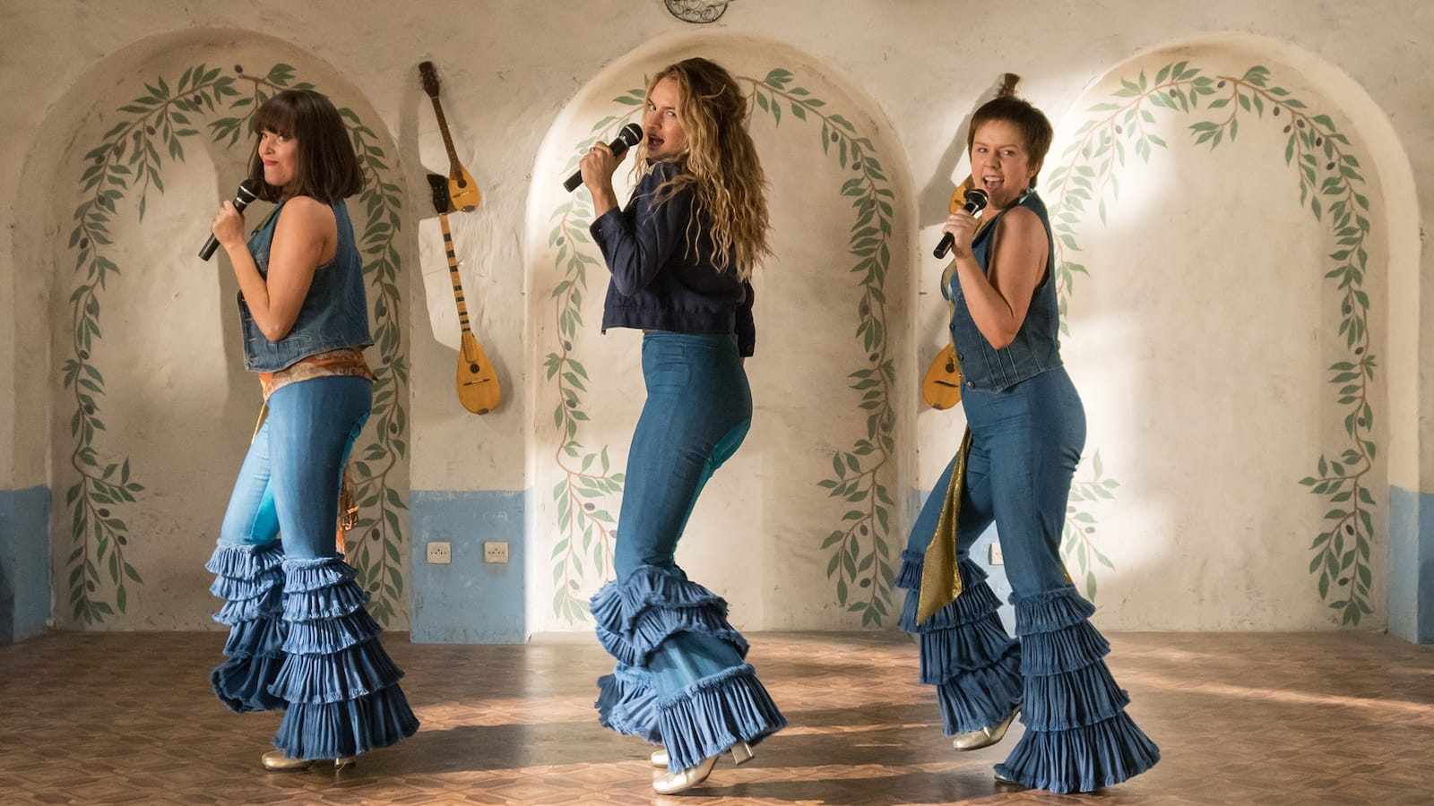 mamma-mia-here-we-go-again-sing-a-long-2018