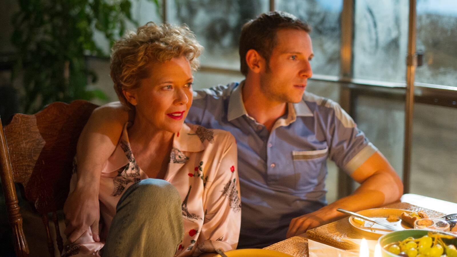 film-stars-dont-die-in-liverpool-2017